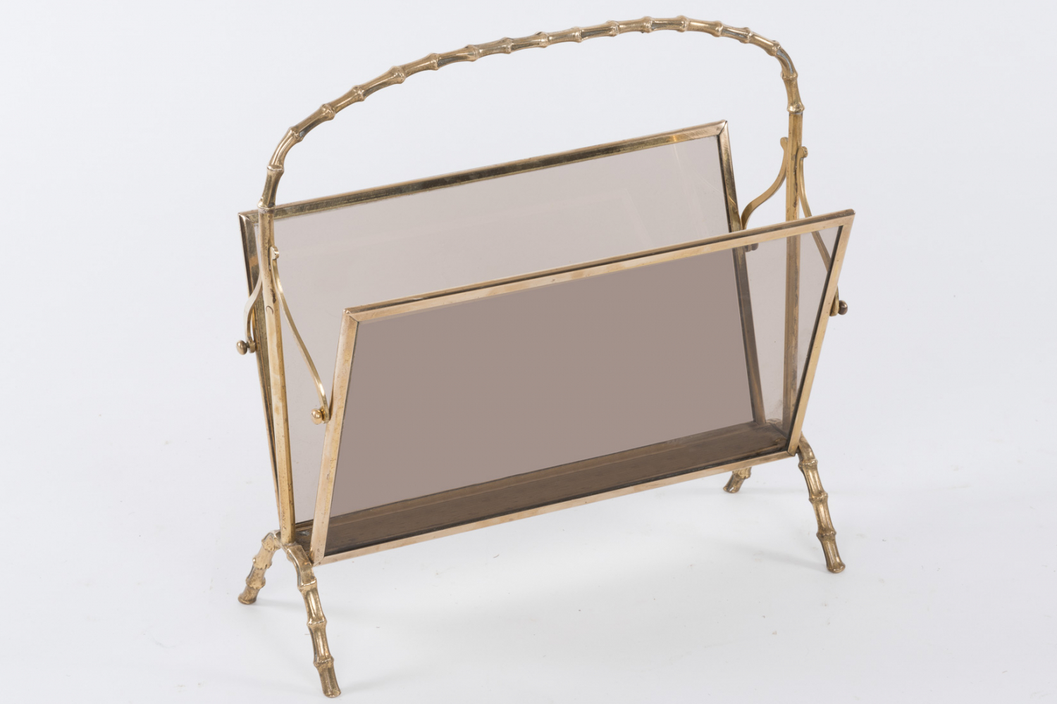 Bagues brass magazine rack