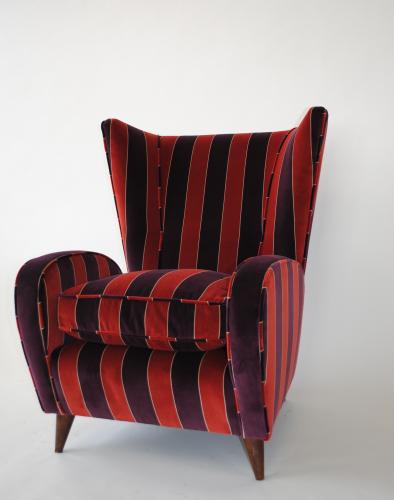 Mid Century Italian wing chair