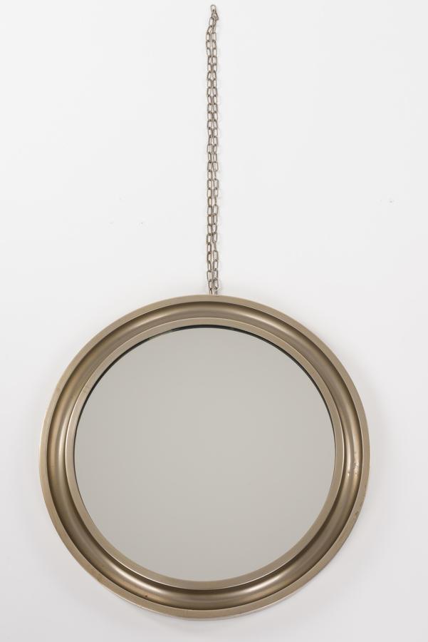 Round Mirror.