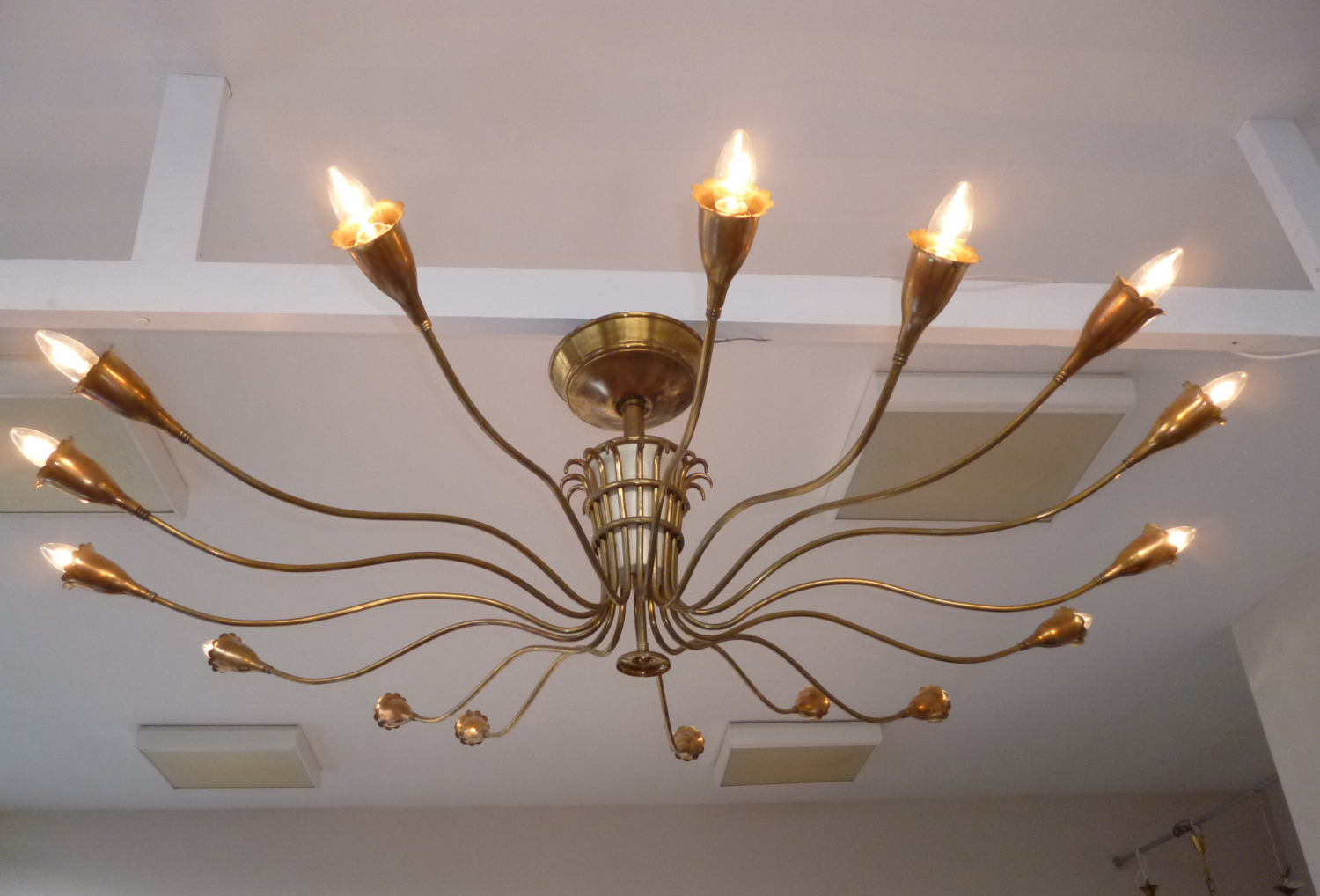 Large Chandelier by Arreduloce